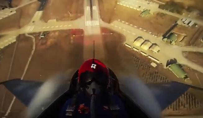 الإقلاع العمودي من داخل طائرة  F-16