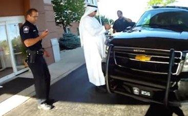 الإمارات تنصح مواطنيها بعدم ارتداء الزي الرسمي في الخارج