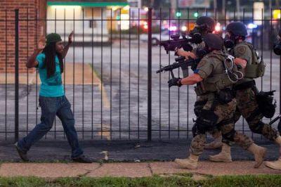 الاحتجاجات تجوب شوارع أمريكا تنديداً بعنف الشرطة (4)
