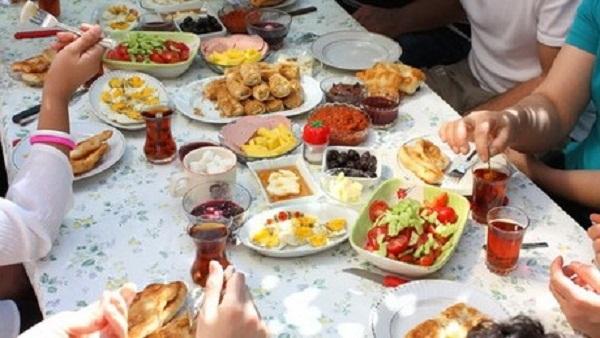 الاسراف في رمضان مائدة