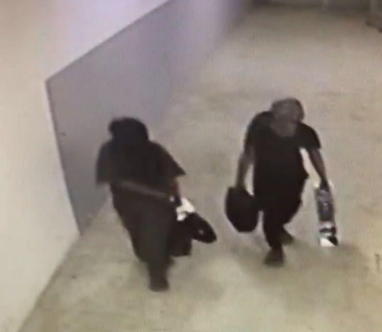 الاطاحة بثلاثة اشخاص سرقوا جوالات وريالات ببريدة (2)