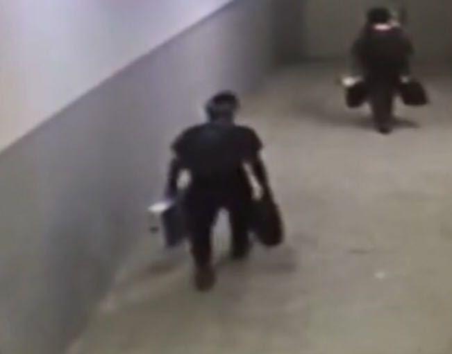 الاطاحة بثلاثة اشخاص سرقوا جوالات وريالات ببريدة (3)