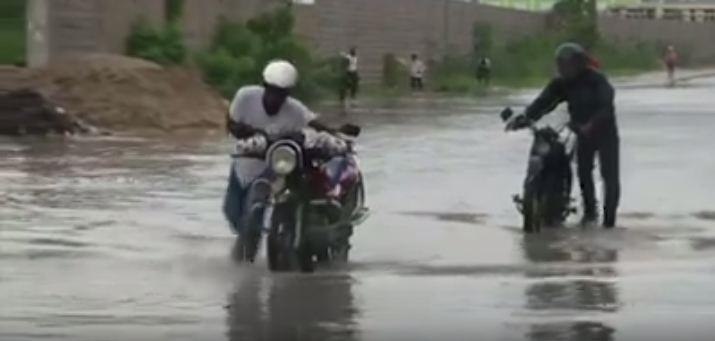 """بالفيديو.. الإعصار """"ماتيو"""" يضرب قاعدة جوانتانامو وإجلاء الآلاف في هايتي"""