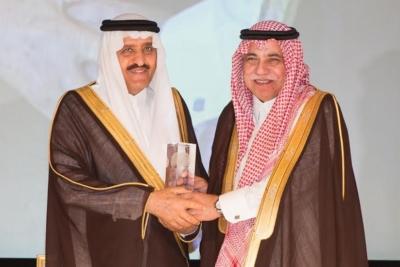 الامير احمد بن عبدالعزيز يدشن فيلم آل زهايمر8