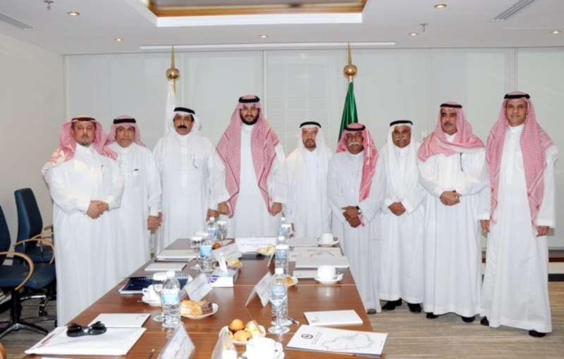 الامير تركي محمد بن فهد يدرس انشاء مشروعي كلية الطب والمستشفى الجامعي بجامعة الامير محمد بن فهد (2)