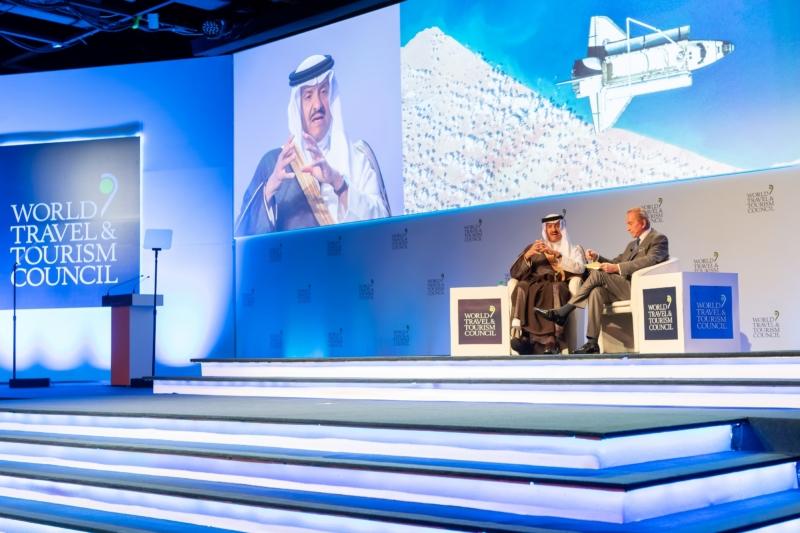 الامير سلطان متحدثا في مؤتمر المجلس العالمي للسياحة والسفر