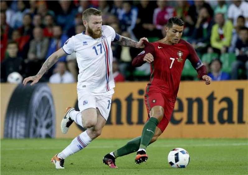 البرتغال وأيسلندا