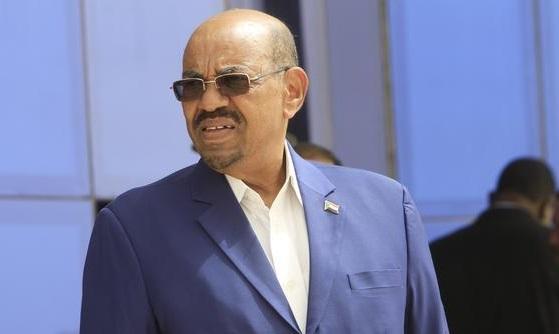 بينهم رئيس حكومة السودان .. اعتقال أكثر من 100 شخصية مقربة من البشير