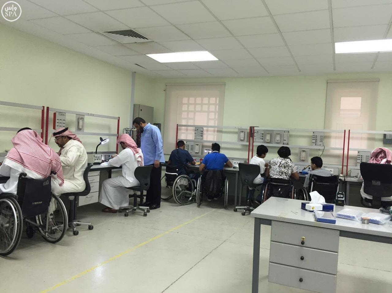 التدريب التقني والمهني وجمعية  حركية  تؤهل ذوي الإعاقة الحركية في سوق الاتصالات (5)