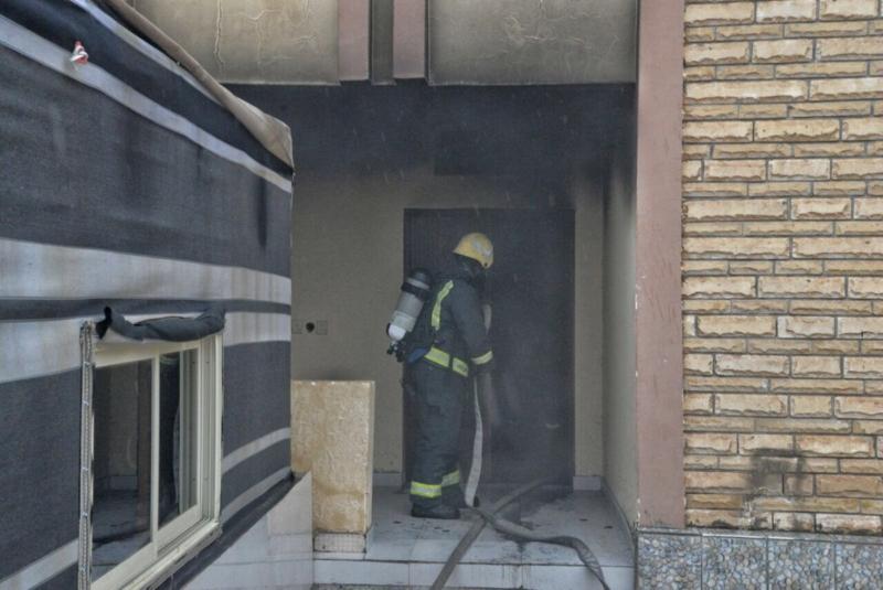 التماس كهربائي يسبب حريقا في منزل بالمنتزه الغربي 3
