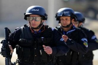 """4 طلاب يقتحمون مطعماً في الجزائر بقنبلة """"مزيفة"""" - المواطن"""