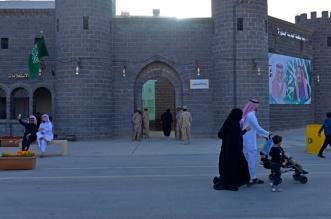 باب العنبرية والشامي يحاكيان البوابتين التاريخيتين للمدينة المنورة قديما بالجنادرية - المواطن