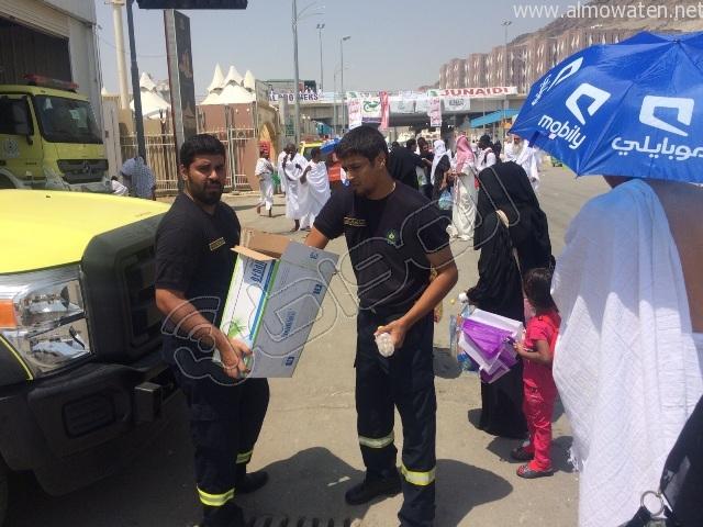 الجوانب الإنسانية لرجال الأمن خلال توافد الحجاج إلى #منى (1)