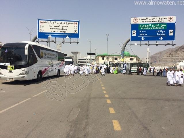 الجوانب الإنسانية لرجال الأمن خلال توافد الحجاج إلى #منى (3)