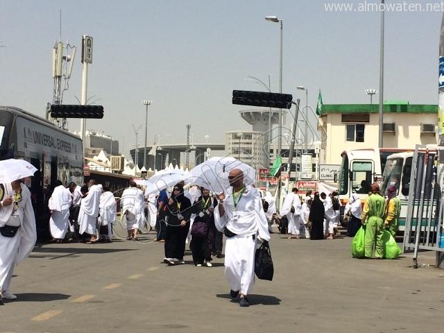 الجوانب الإنسانية لرجال الأمن خلال توافد الحجاج إلى #منى (6)