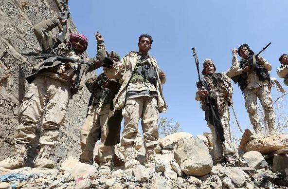 الجيش اليمني والمقاومة يسيطران على جبل القرن في نهم