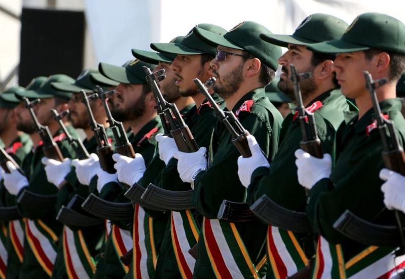 مظاهرات إيران تجبر الحرس الثوري على التخلي عن مزايا اقتصادية