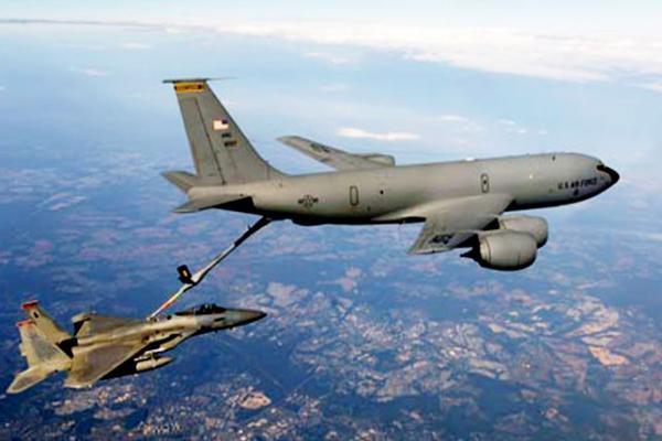 -الحزم--مقاتلة-تزويد-وقود-طائرة