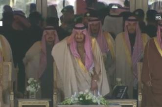 خادم الحرمين يستقبل ضيوف حفل مهرجان الملك عبدالعزيز للإبل - المواطن