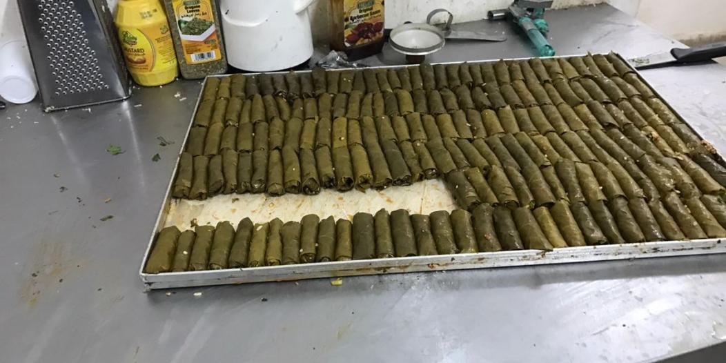 شاهد.. الحلويات تُغلق شقة في الرياض وتوقع مخالفين