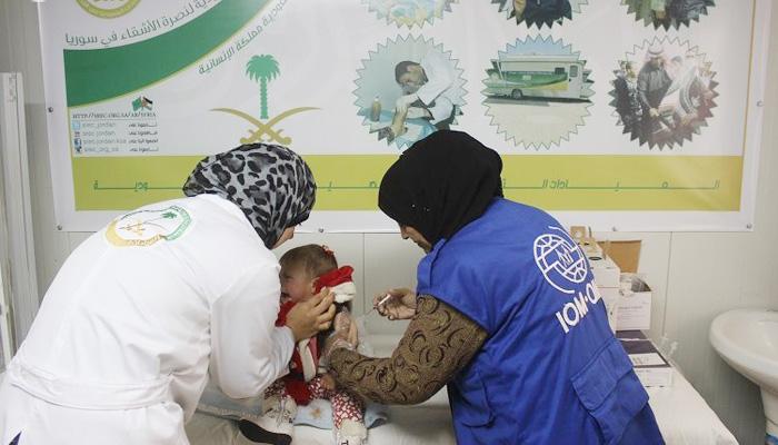 الحملة الوطنية توفر 117 لقاحاً للاجئين السوريين بمخيم الزعتري (1)