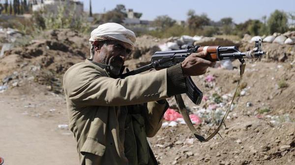 الحوثيين وزعماء من حاشد