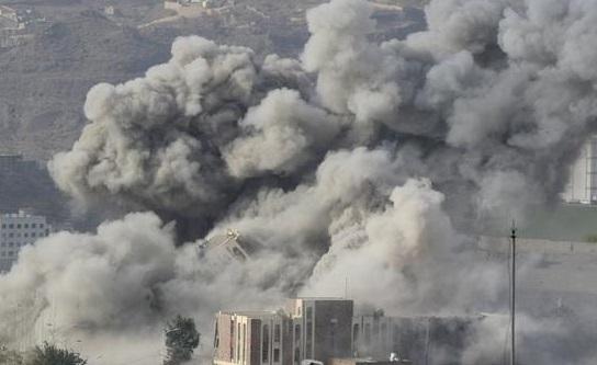 غارات على الحوثيين.. واشتباكات متفرقة