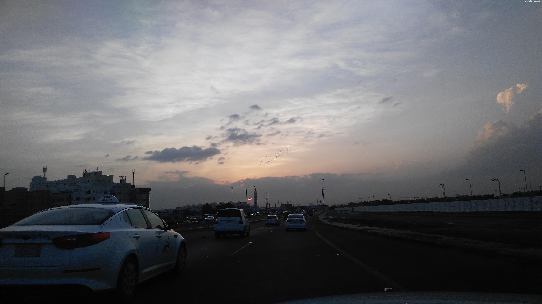 الحياة تعود إلى #جدة بعد نهار عائم (3)