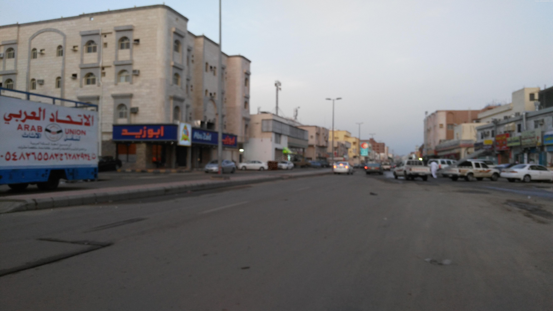 الحياة تعود إلى #جدة بعد نهار عائم (4)