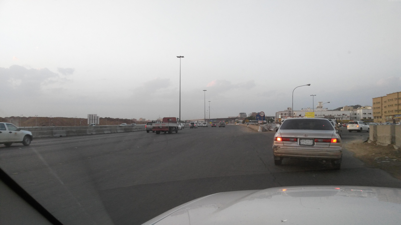 الحياة تعود إلى #جدة بعد نهار عائم (6)