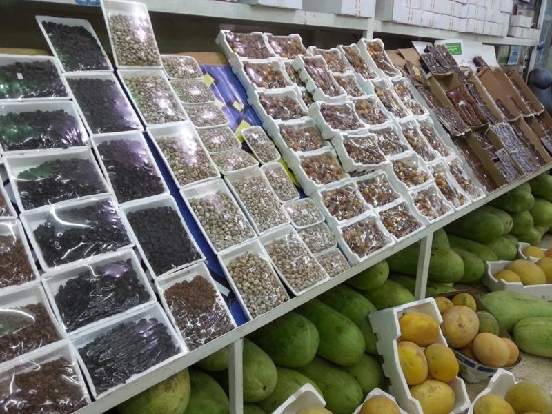 الحياة طبيعية والعروض الرمضانية تزحم الأسواق (1) 
