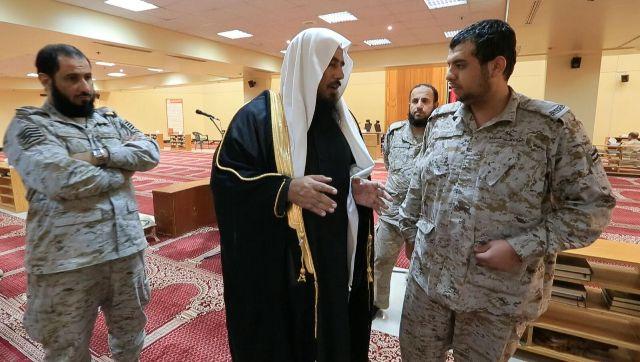 الخثلان في زيارته لوزارة #الدفاع  أنتم على ثغر لحماية الإسلام (3)