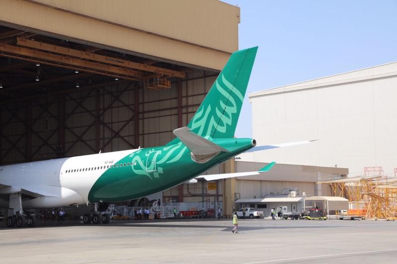 -السعودية-تزين-احدى-طائراتها-بشعار-الوطن1