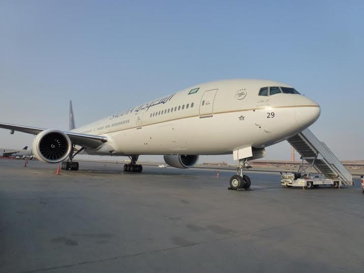 الخطوط السعودية تستلم طائرتين عريضتي البدن من طراز بوينج1