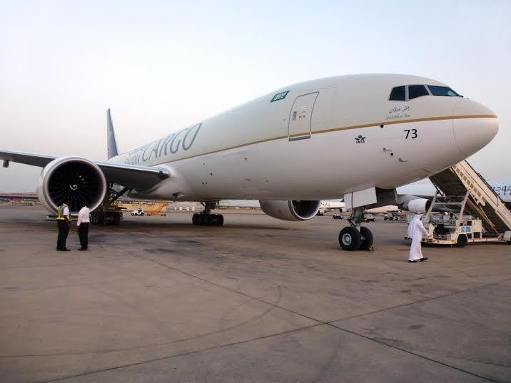 الخطوط السعودية تستلم طائرتين عريضتي البدن من طراز بوينج8