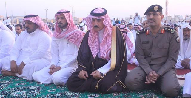 محافظ البكيرية يؤدي صلاة العيد ويستقبل المهنئين