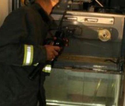 حادث مصعد يحتجز 13 طالبة ويصيب واحدة في الطائف