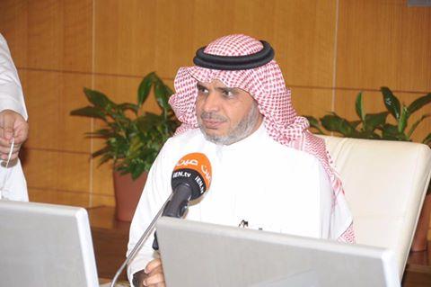 الدكتور احمد العيسى وزير التعليم