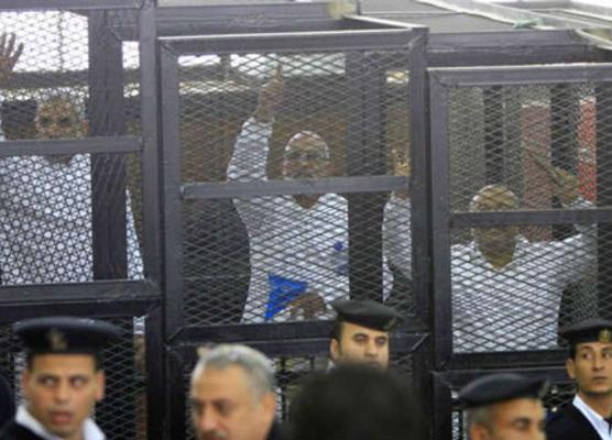 الدكتور محمد بديع مرشد جماعة الإخوان المسلمين أثناء محاكمته