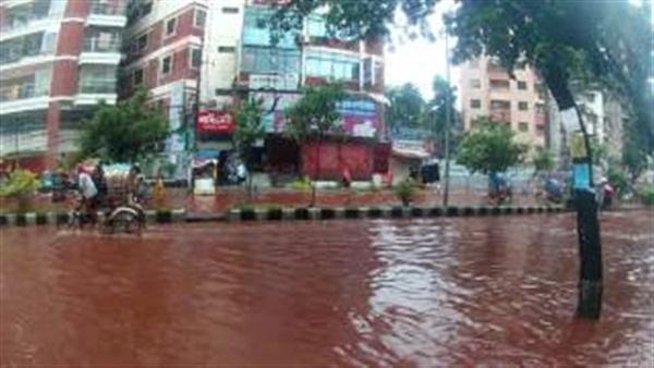 الدماء تغرق شوارع بنجلاديش