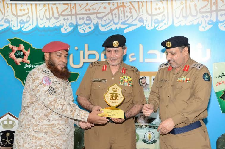 الدويسي يلتقي منسوبي مطار الملك عبدالله بجازان ويُكرم المتميزين 7