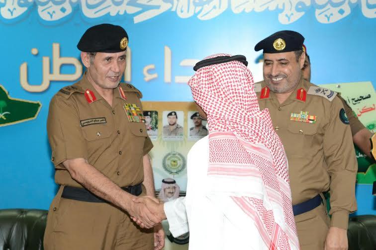 الدويسي يلتقي منسوبي مطار الملك عبدالله بجازان ويُكرم المتميزين 9