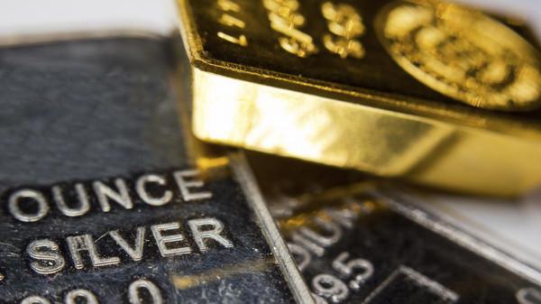 ارتفاع أسعار الذهب تأثرًا بالتحقيق مع حملة ترامب