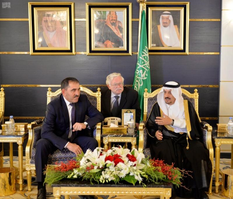 الرئيس الأنغوشي يصل إلى الرياض 2