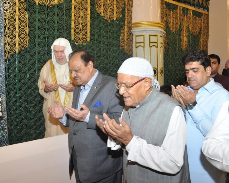 الرئيس الباكستاني يزور المسجد النبوي
