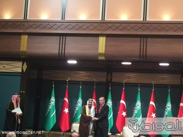 الرئيس التركي يستقبل الملك (146098871) 