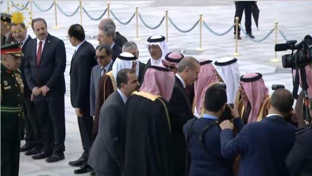 الرئيس التركي يستقبل الملك2