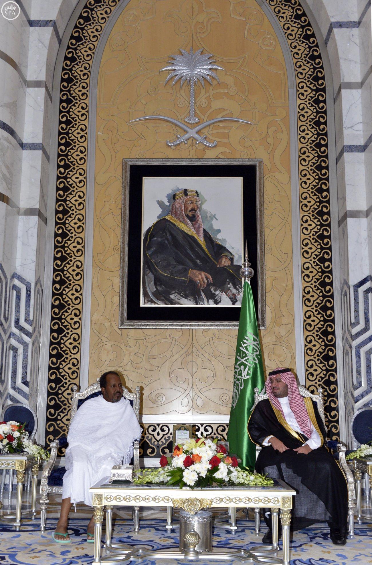 الرئيس الصومالي يصل #جدة قادمًا من #الرياض (3)