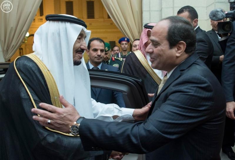 الرئيس المصري يقيم حفل عشاء لخادم الحرمين الشريفين