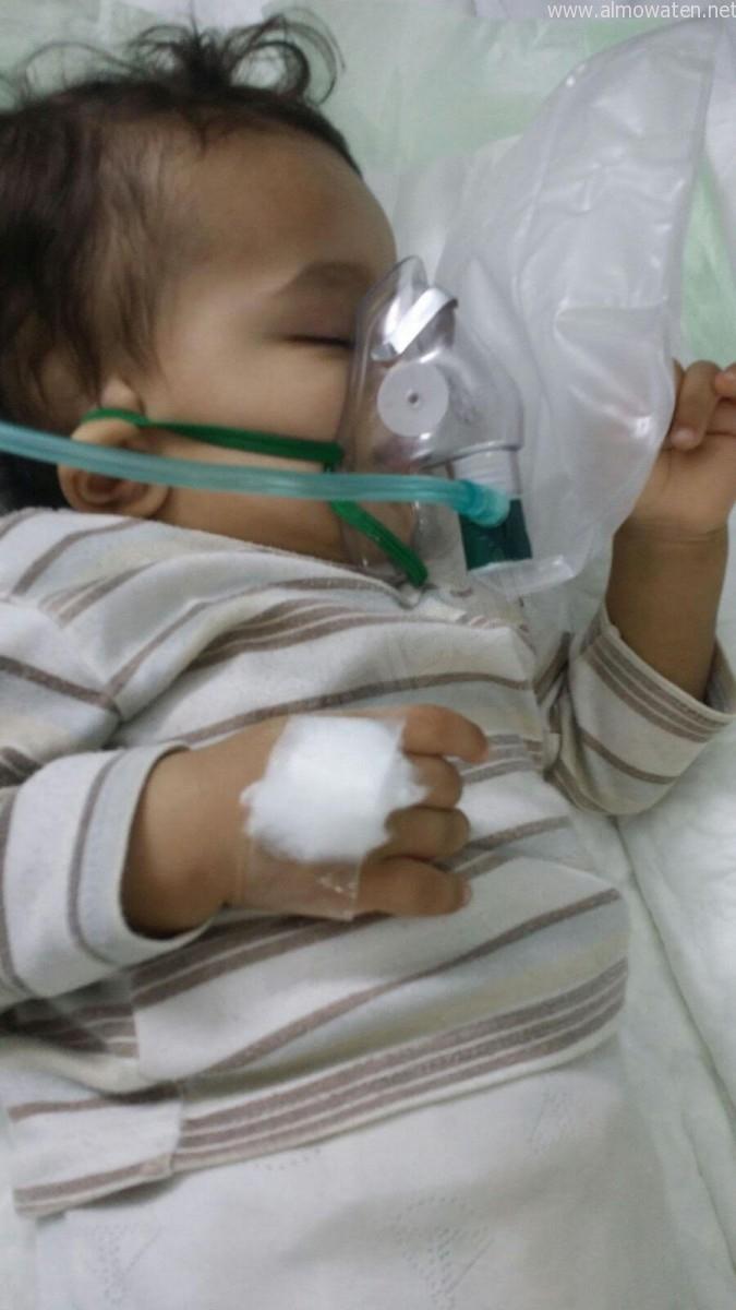 """الرضيع """"ليث"""" فقد الوعي إثر التفاف بطانية حوله - المواطن"""